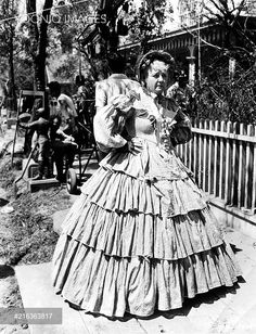 GONE WITH THE WIND [US 1939] LAURA HOPE CREWS [Off set]