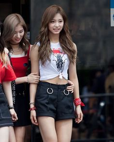 Latest KPop News for all KPop fans! Most Beautiful Faces, Beautiful Asian Women, Tzuyu And Sana, Twice Tzuyu, Girl Outfits, Cute Outfits, Skinny Girls, Sexy Asian Girls, Ulzzang Girl