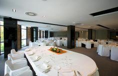 """Para Hotel Silken Gran Teatro Burgos su celebración es """"única """", sabemos cómo organizar su evento: cocktails, aperitivos, menús personalizados, bodas, comuniones, celebraciones familiares, etc. Tenemos capacidad para 300 comensales. http://www.hoteles-silken.com/hoteles/gran-teatro-burgos/celebraciones/"""