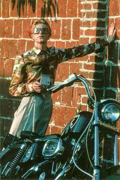 💜😍😘Easy Rider David 😎💋👄 David Bowie Pictures, Ziggy Stardust, David Jones, Rock Music, Random Acts, Perfect Man, Duke, Singers, 1970s