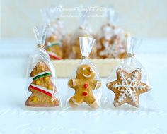 Miniature Food Christmas Festive Cookies, Gingerbread Pastry Bakery Biscuit, Tree Star Doll Party Gift Mini Small Tiny Petite, 1:12 1/6 1 4
