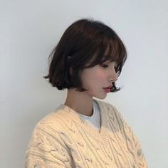 Uploaded by Nina. Find images and videos about girl, korean and asian on We Heart It - the app to get lost in what you love. hair korean Image in girls collection by Ninna on We Heart It hair boy Kpop Short Hair, Short Hair With Bangs, Girl Short Hair, Hairstyles With Bangs, Pretty Hairstyles, Short Hair Cuts, Girl Hairstyles, Korean Short Hair Bangs, Korean Hairstyles