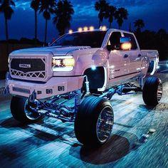 Custom Lifted Trucks, Lifted Chevy Trucks, Gmc Trucks, Diesel Trucks, Best Pickup Truck, Chevy Pickup Trucks, Chevrolet Silverado, Silverado 2500, Truck Lift Kits