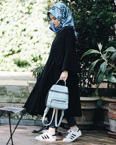 @senaseveer Geldik benim aşkla giyindiğim bu kolları volanlı siyah tuniğe  Bayıldım Tunik: @kevsersarioglu ❤️❤️❤️ Fotoğraf: @canasici ✌️