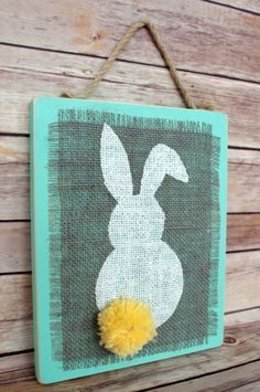 How adorable is this burlap bunny plaque?!  Ready to make your own for spring?  Learn how to create it here!