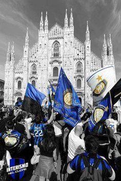 Milano è nerazzurra ⚫🔵 Milan Football, Football Love, Football Photos, Football Team, Inter Milan Logo, Milan Wallpaper, Inter Sport, Mauro Icardi, Pop Art Design