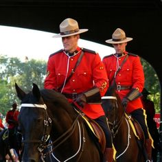 Royal Canadian Mounted Police, Banff & Jasper National Parks its all good this place is amazing Canada Eh, Toronto Canada, Parks Canada, I Am Canadian, Canadian Flags, Canada Holiday, Men In Uniform, Banff National Park, Quebec City
