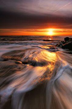 Southwold Beach Sunrise by on DeviantArt Best Vacation Destinations, Great Vacations, Amazing Sunsets, Amazing Nature, Beautiful World, Beautiful Places, Cool Pictures, Beautiful Pictures, Nature Photos