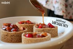 Recept na fantastické jesenné jablkové tartaletky so slaným karamelom. Od Coolinari.sk
