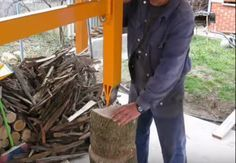 Home Built Hand Operated Wood Splitter Homesteading - The Homestead Survival .Com