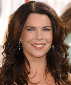 Lauren Graham Long Wavy Casual Hairstyle | TheHairStyler.com