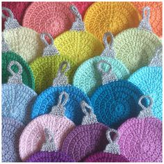 Crochet Christmas Coasters https://www.facebook.com/AttysLoveForCrochet/