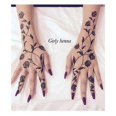 Photo by ����� ����� 🌿 on December Indian Henna Designs, Finger Henna Designs, Modern Mehndi Designs, Henna Designs Easy, Beautiful Henna Designs, Latest Mehndi Designs, Mehndi Designs For Hands, Henna Tattoo Designs, Tribal Henna Designs