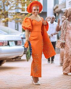 Trending Aso Ebi Styles at the moment Nigerian Wedding Dresses Traditional, Traditional Wedding Attire, African Traditional Wedding, Traditional Weddings, Modern Traditional, African Wedding Attire, African Attire, African Wear, African Style