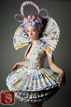 Sergi Centro Brico L'idea bricolage di oggi: Per Carnevale, il costume fatto interamente con carta di giornale