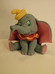 Fondant Dumbo the elephant (salt dough decorations fimo) Fondant Figures, Fondant Cake Toppers, Fondant Cakes, Cupcake Cakes, Bolo Do Dumbo, Dumbo Cake, Cake Topper Tutorial, Fondant Tutorial, Fondant Elephant Tutorial