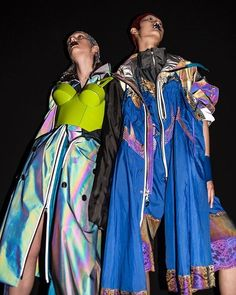 By assembling several materials and influences, creative director presents technical looks with an illusion of unconscious… Vogue Fashion, Runway Fashion, High Fashion, John Galliano, Marie Claire, Leather Bustier, Sports Luxe, Margiela, Supermodels