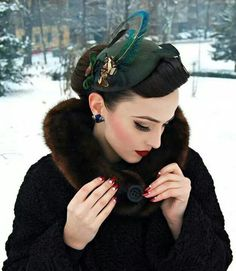Idda van Munster: Winter time with Jazzafine pieces full of verve Moda Vintage, Vintage Girls, Vintage Modern, Vintage Glamour, Vintage Beauty, Vintage Makeup, Retro Outfits, Vintage Outfits, Pin Up Retro