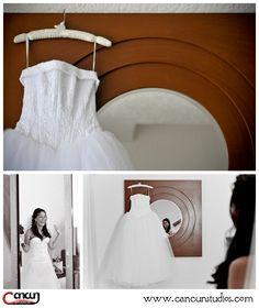 Bride's dress  Dreams Cancun Resort, Mexico  www.cancunstudios.com