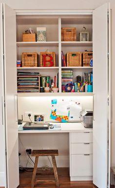 Small Apartment Design Idea – Create A Home Office In A Closet – Office Room Home Office Closet, Closet Desk, Office Nook, Home Office Space, Home Office Design, Home Office Decor, Home Decor, Office Ideas, Small Office