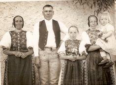 Jakubany village, Spiš region, Eastern Slovakia. Folk Costume, Costumes, Vintage Pictures, Ancestry, Family History, Ukraine, Times, People, Travel
