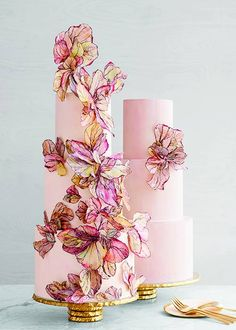 We love wedding cakes! We have everything from the latest trends (bye naked cakes!), to the flavors everyone is loving, expert tips and thousands of beautiful wedding cakes to inspire you. Cool Wedding Cakes, Beautiful Wedding Cakes, Gorgeous Cakes, Wedding Cake Designs, Pretty Cakes, Wedding Cake Toppers, Amazing Cakes, Wedding Table, Wedding Cupcakes
