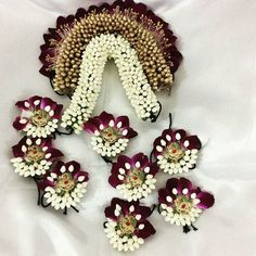 Colorful plain velvet bindis studded with rhinestone are available at Bindigalaxy South Indian Hairstyle, Bridal Hairstyle Indian Wedding, Bridal Hairdo, Indian Bridal Hairstyles, Hairdo Wedding, Indian Wedding Jewelry, Bridal Jewelry, Flower Jewelry, Wedding Wear