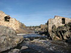 Puente y Molino del Aguijón, en el río Salor, cerca de Malpartida de Cáceres.