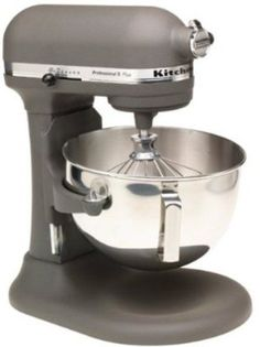 KitchenAid mixer. I WANT!!!!!!!!!!!!!!!!!!!!!!!