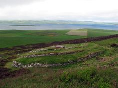 Back of the Wideford Hill Chambered Cairn, Mainland, Orkney, Scotland (J. Demetrescu 2010)
