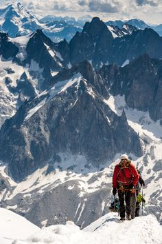 Lost in America - rwemerson: Alpinistes en els Alps (by. Trekking, Mountain Climbing, Rock Climbing, Alpine Climbing, Beautiful World, Beautiful Places, Chamonix Mont Blanc, Escalade, Kayak