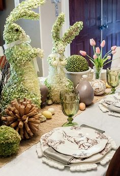 ❤ / Easter table. I don't celebrate Easter but this is amazing.