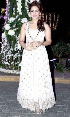 Huma Qureshi at Manish Malhotra's niece Riddhi's sangeet. #Bollywood #Fashion #Style #Beauty