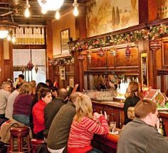 Great Christmas drinks in Chicago: http://www.midwestliving.com/travel/illinois/chicago/restaurants/12-drinks-of-christmas-chicago/