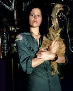 Alien (1979) –  Behind the Scenes Photos and Production Stills -  Ripley And Jones The Cat