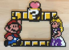 Perle Beads Super Mario Frame (by Susanne Leirånes)