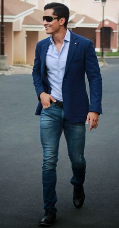 Men'S attire blazer gents style academy casual look fashion for men. Business Casual Herren, Business Casual Attire For Men, Business Casual Dresses, Men Casual, Smart Casual, Work Casual, Casual Tops, Blue Jeans Mens, Blazer With Jeans
