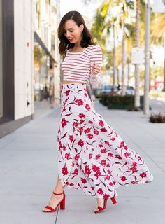 8c22e1e430c Sydne Style shows how to wear a maxi skirt for summer outfit ideas in mixed  prints