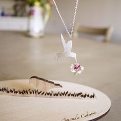 Kolibri och exotisk blomma - #Halsband i #silver och #jade