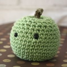 Join this blogger as she learns about amigurumi. By making a project a week for a whole year. Links to all patterns.