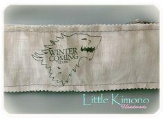 ❣ Little Kimono Handmade ❣ : Burlete para puerta - Reto Handmade Winter Is Coming, Kimono, Handmade, Quartos, Hand Made, Kimonos, Handarbeit