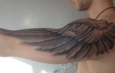 Pretty Cool Wings Tattoo Designs on Shoulder For Men Alas Tattoo, Tattoo Son, Et Tattoo, First Tattoo, Back Tattoo, Great Tattoos, Beautiful Tattoos, Tattoos For Guys, Tattoos For Women
