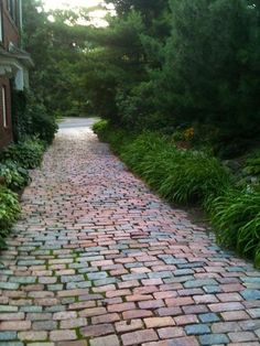 brick walkways - Flagstone Walkway Design Ideas