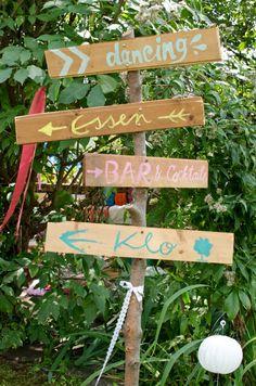 Sommer Hochzeit im Garten im Boho Vintage Hippie Stil