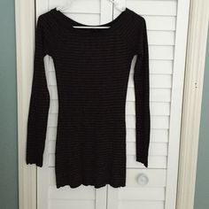 EXPRESS long sleeved t Sz XS. EXPRESS long sleeved t shirt. Black and gold striped. Express Tops Tees - Long Sleeve