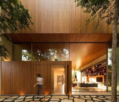 House in Sao Paulo, Brasil by Marcio Kogan Residential Architecture, Contemporary Architecture, Interior Architecture, Interior And Exterior, Interior Design, Studio Mk27, Forest House, Indoor Outdoor Living, Home And Deco