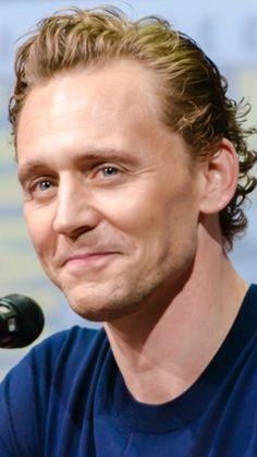 Tom Hiddleston at SDCC 2017. Photo source: suelenfialho.tumblr