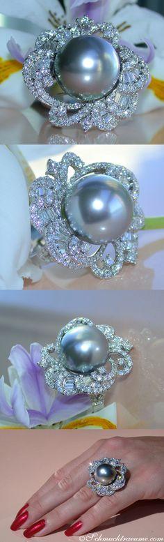 Huge Tahitian Pearl Diamond Ring | Stattlicher Tahitiperle Ring mit Brillanten | 15 mm - 2,80 ct. G-VS - Visit: schmucktraeume.com Like: https://www.facebook.com/pages/Noble-Juwelen/150871984924926 Mail: info[at]schmucktraeume.com