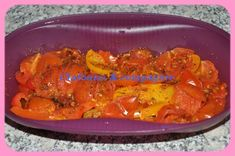 Pour cette petite recette rapide, je me suis servie de mon omelette party de chez tupperware :) Recette pour 1 personne 3 PP ou 0 en JSC 1 poivron rouge coupé en lanières ( j'ai mélangé rouge, jaune & orange ) 6 tomates cerises 1 CC d'épices Argentine...