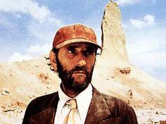 """Harry Dean Stanton spielt in """"Paris, Texas"""" Travis, der durstig durch die texanische Wüste wandert."""